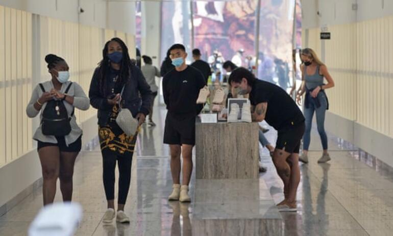 Delta etkisi: Los Angelesta maske yasağı geri döndü