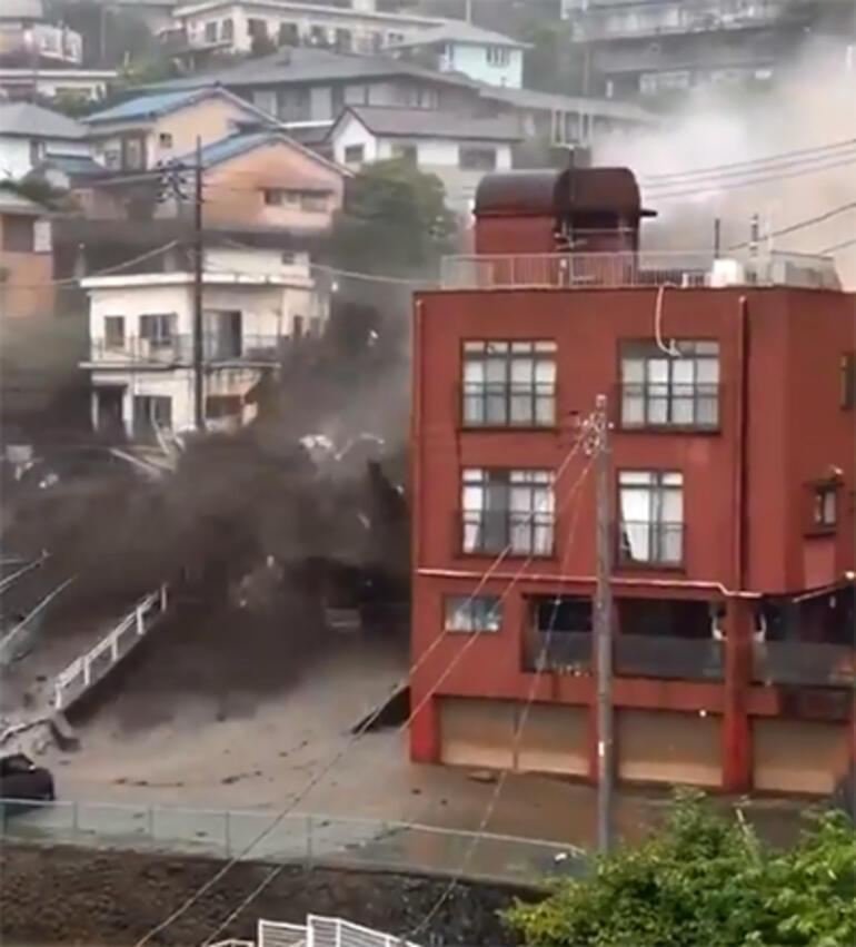 Son dakika: Japonyada heyelan felaketi En az 2 kişi öldü, 20ye yakın kişiden haber alınamıyor